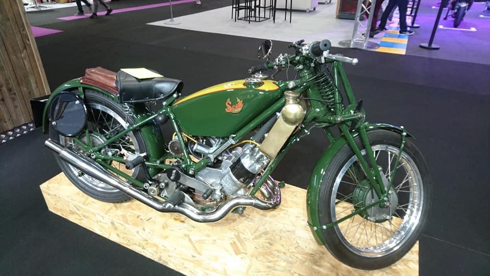 Salon de la moto a Paris 43471210
