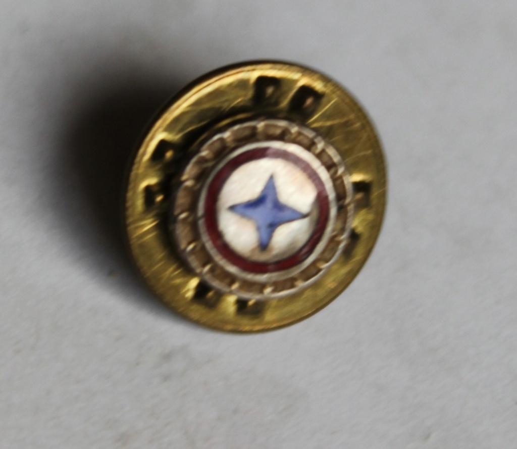 petit insigne à identifier Img_0613
