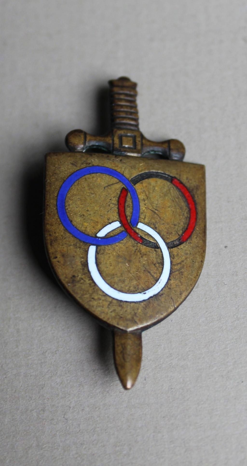 insigne épée 3 anneaux bleu blanc rouge Img_2810