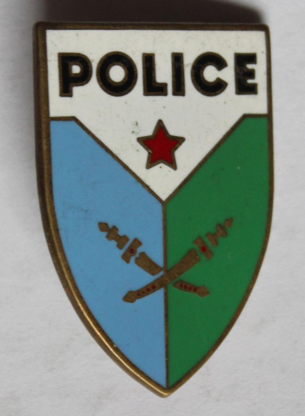 insigne Police pays à identifier Img_6310