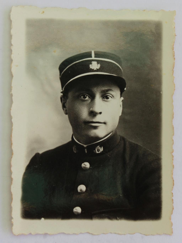 photographie d'identité soldat insigne à identifier Concarneau Img_7015
