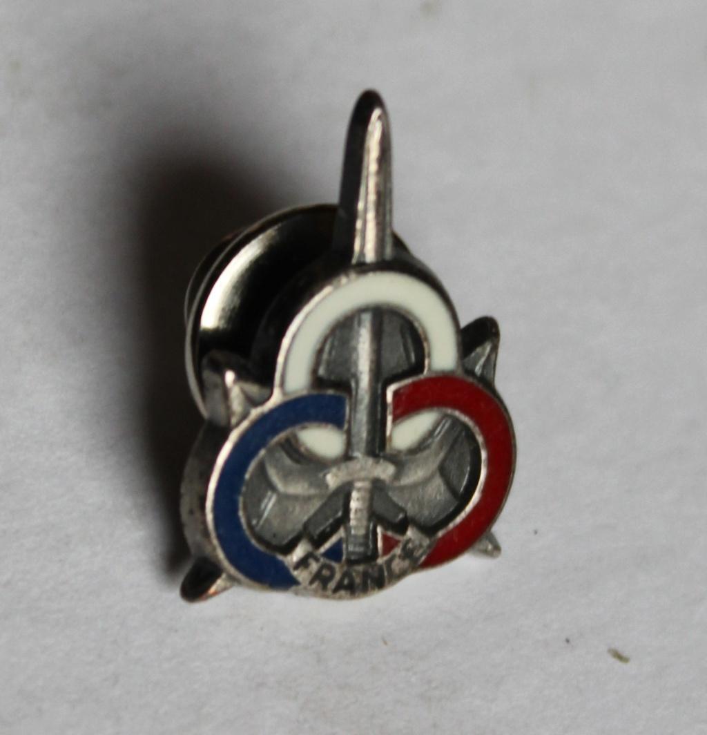 insigne épée 3 anneaux bleu blanc rouge Img_9613