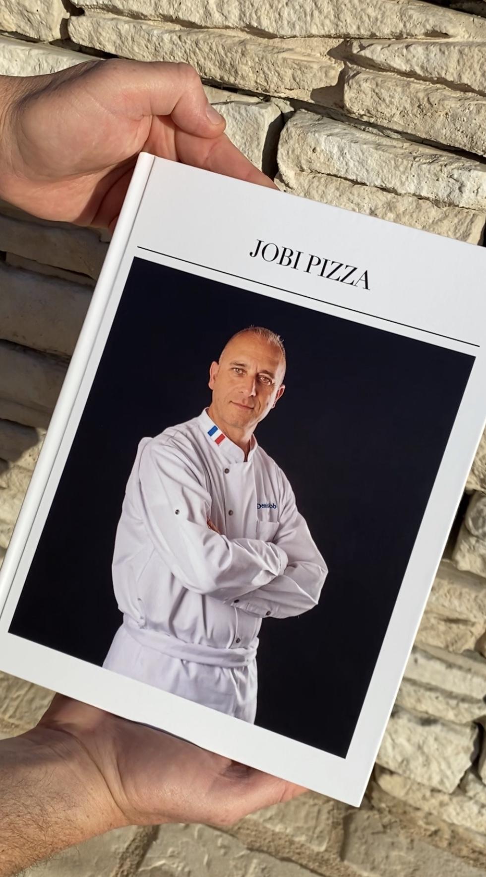 un livre JOBI PIZZA & Denis JOB  07d27d10
