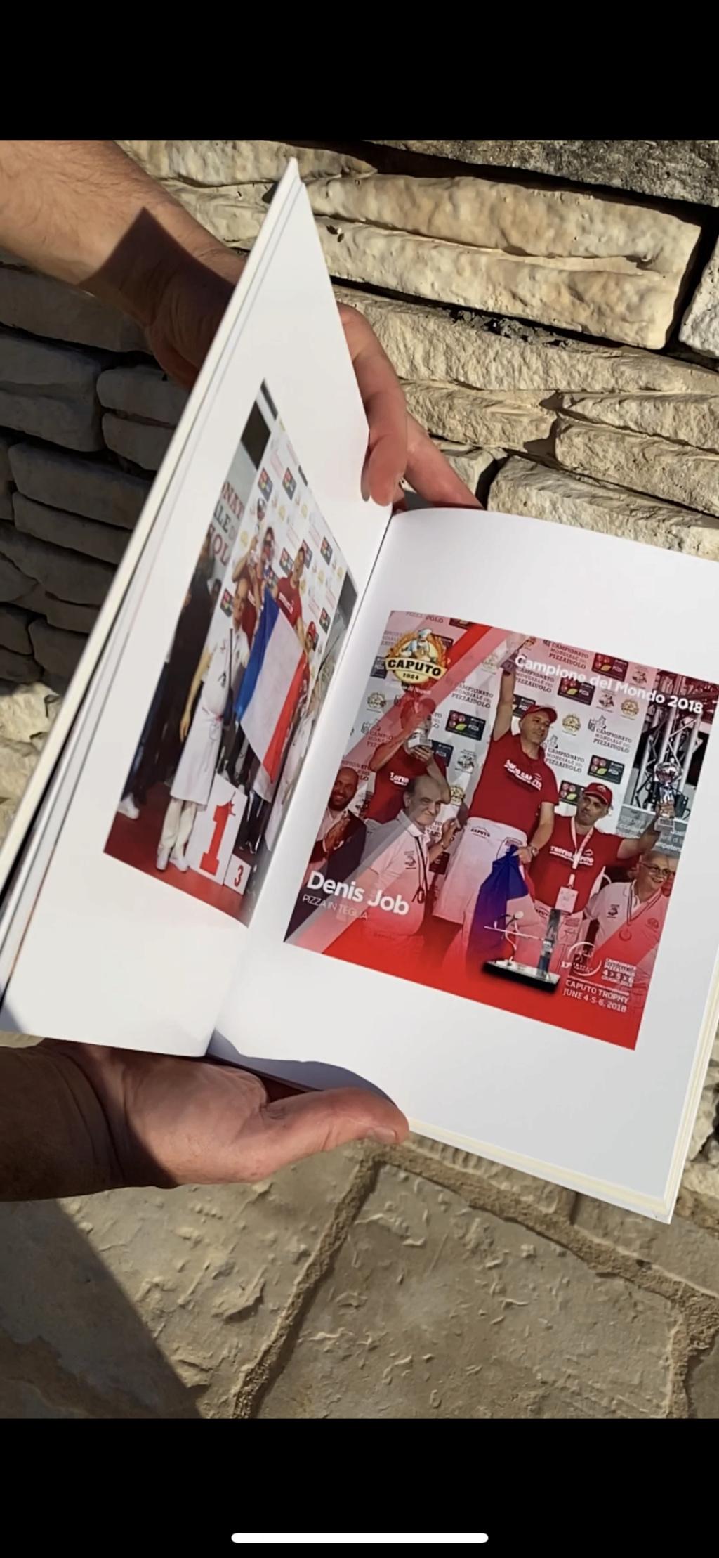 un livre JOBI PIZZA & Denis JOB  697d8a10