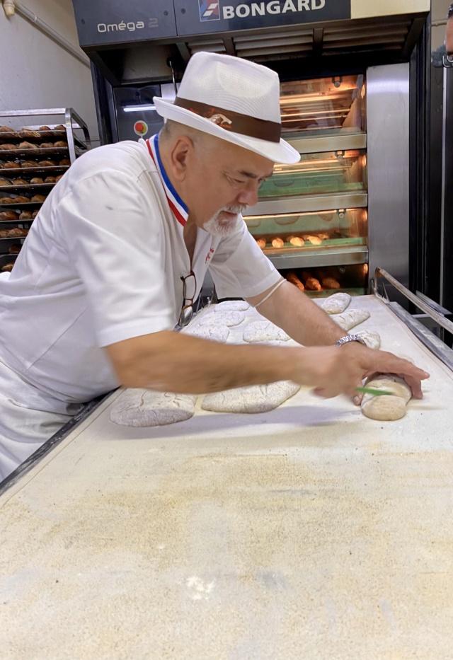 Jobi Pizza en stage 3 jours dans une boulangerie  8d604310