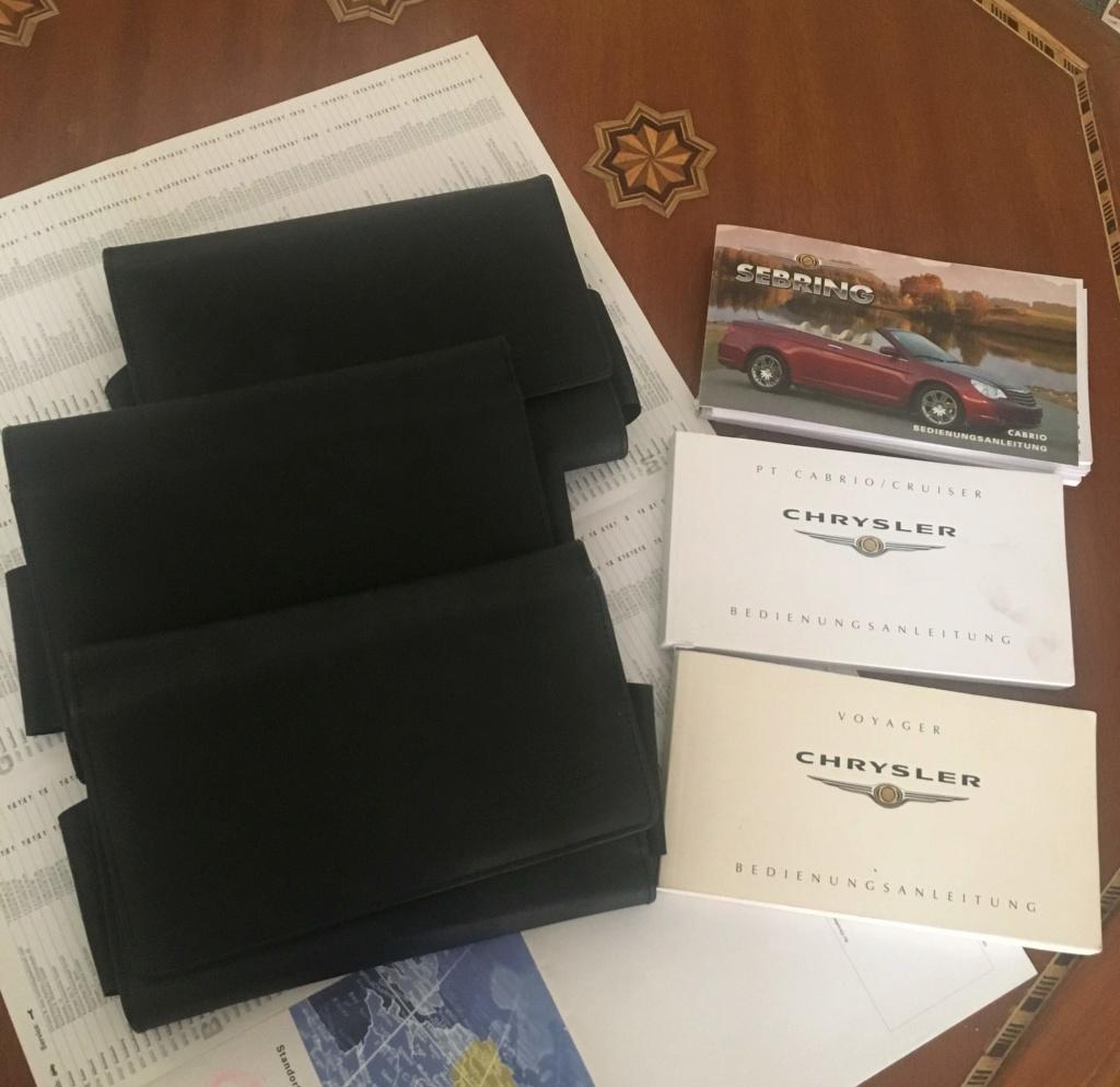 3 pochettes Chrysler et manuels en Allemand Img_0810