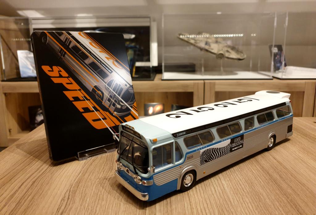 Collection n° 540 : Castor -  il y a une bombe dans le bus... - Page 17 Bus1110
