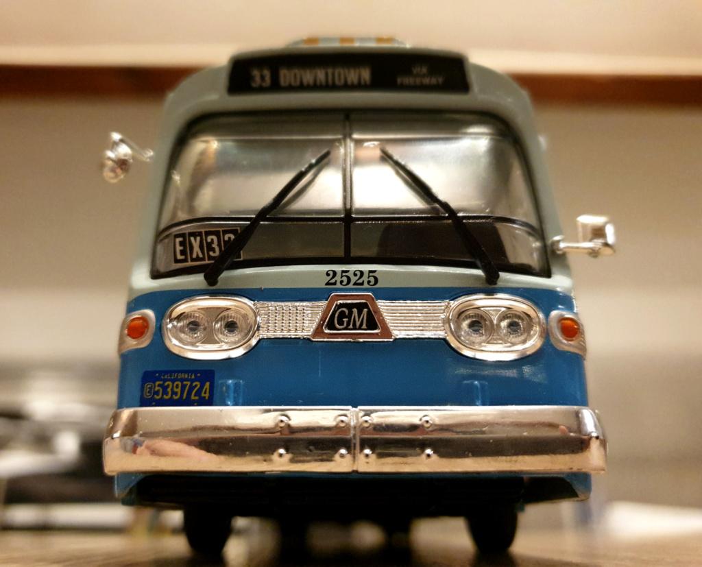 Collection n° 540 : Castor -  il y a une bombe dans le bus... - Page 17 Bus311