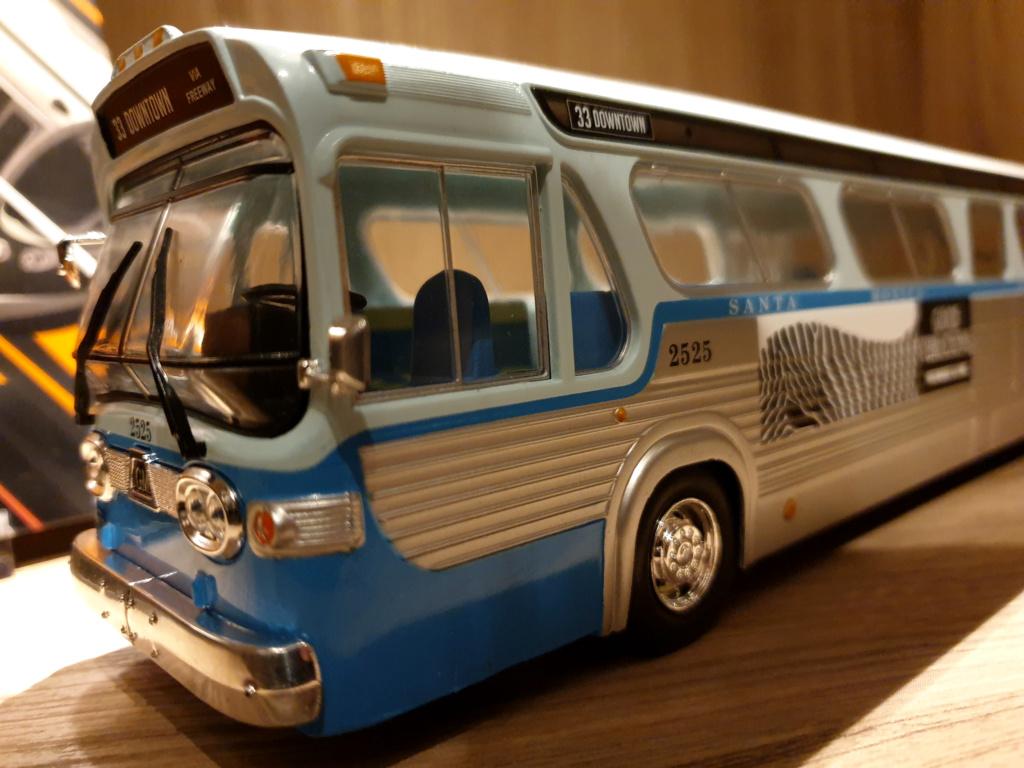Collection n° 540 : Castor -  il y a une bombe dans le bus... - Page 17 Bus8_210