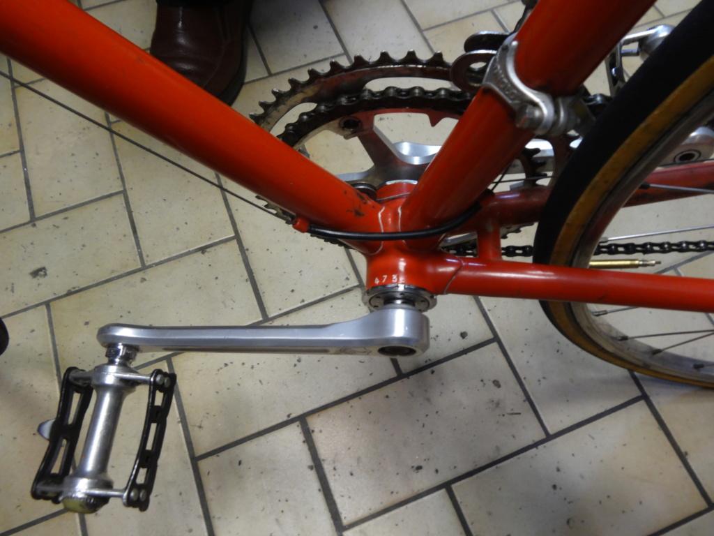 Jacques MERCET, constructeurs de cycles de compétition en Suisse Romande - Page 6 Dsc01833