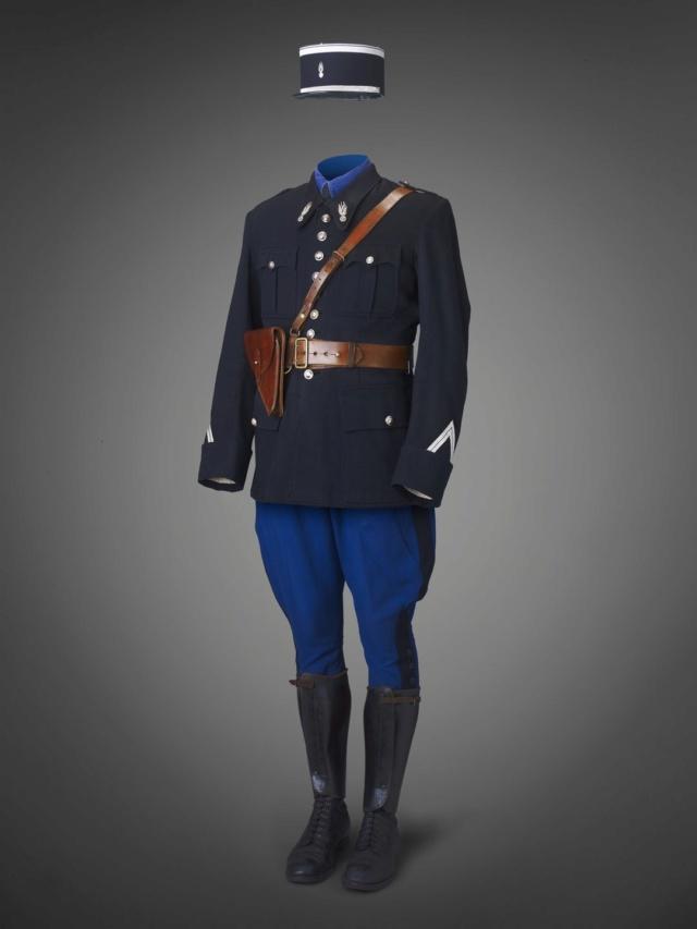 Militaire ou pas? 1930s-10