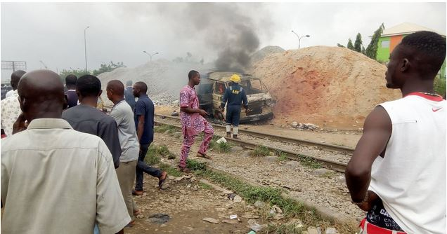 Many Feared Dead, Others Injured As Train Collides With Bus In Lagos (Photos) 1-15010