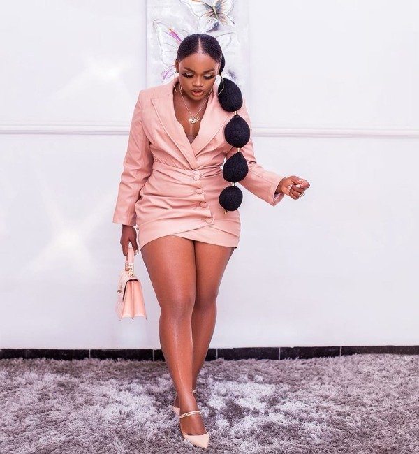 Cee-C's Fans Open An Office In Lekki For Her As She Turns 27 (Video) 10517913