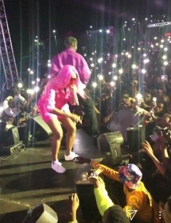 Zlatan Rocks DJ Cuppy At His Concert (See Photos) 10521910