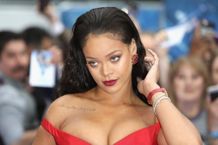 """""""Most People Are Dating The Idea Of What Their Partner Could Become"""" – Rihanna Says 15330510"""