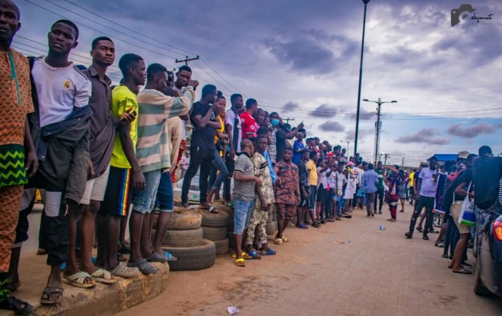 Pictures From The EndSARS Protest In Egbeda, Lagos 3-728x12