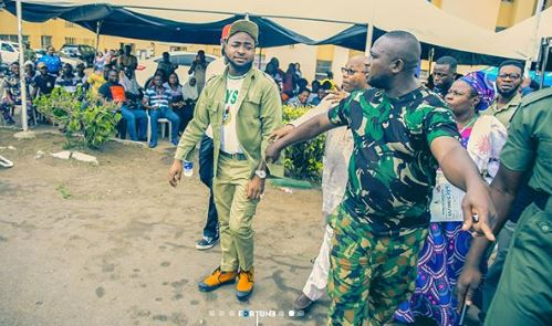 Davido Causes Commotion As He Arrives Lagos Camp (See Photos) 44444411