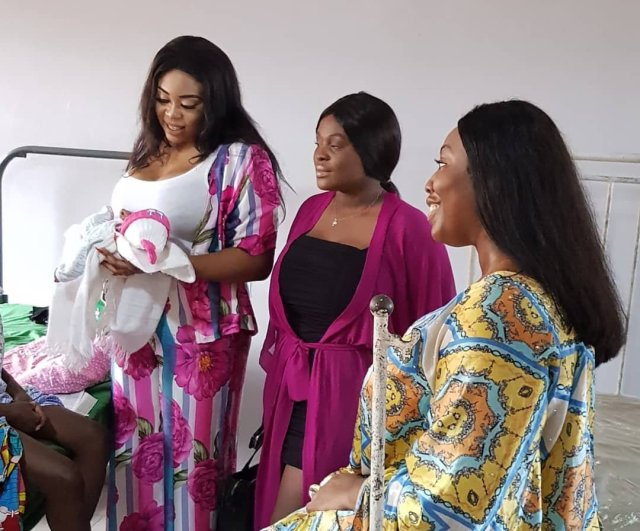 Mimi Orjikwe Celebrates Her Birthday With New Mothers, Pay Their Debt At The Hospital 6b68d610