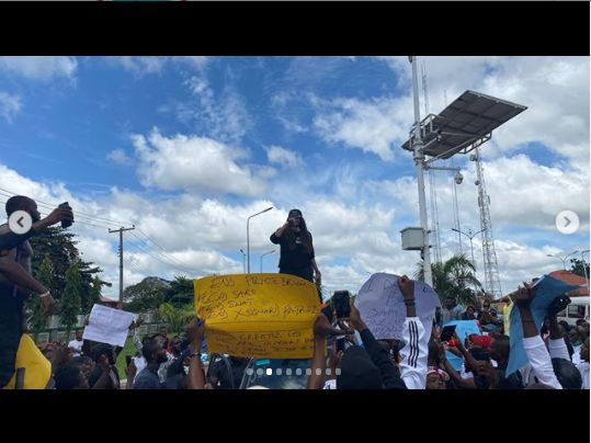 Actress, Angela Okorie Leads #endpolicebrutality Protest In Ebonyi (Photos) A-411