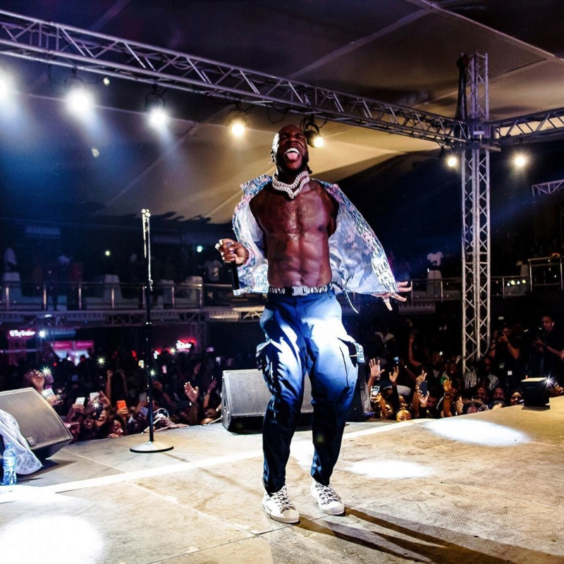 Burna Boy Performs Under The Rain, Despite Heavy Downpour In Abidjan (Watch Video) Burna_17