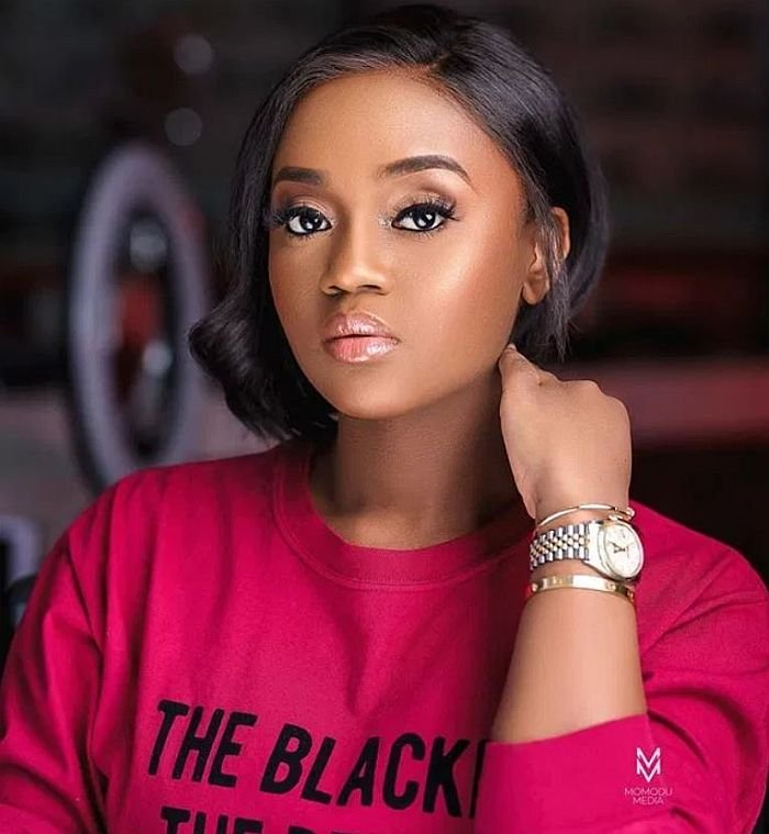 """""""Leave Me Alone"""" – Chioma Replies Follower Who Asked Her To Stop Bottle Feediang Her Son Chioma16"""