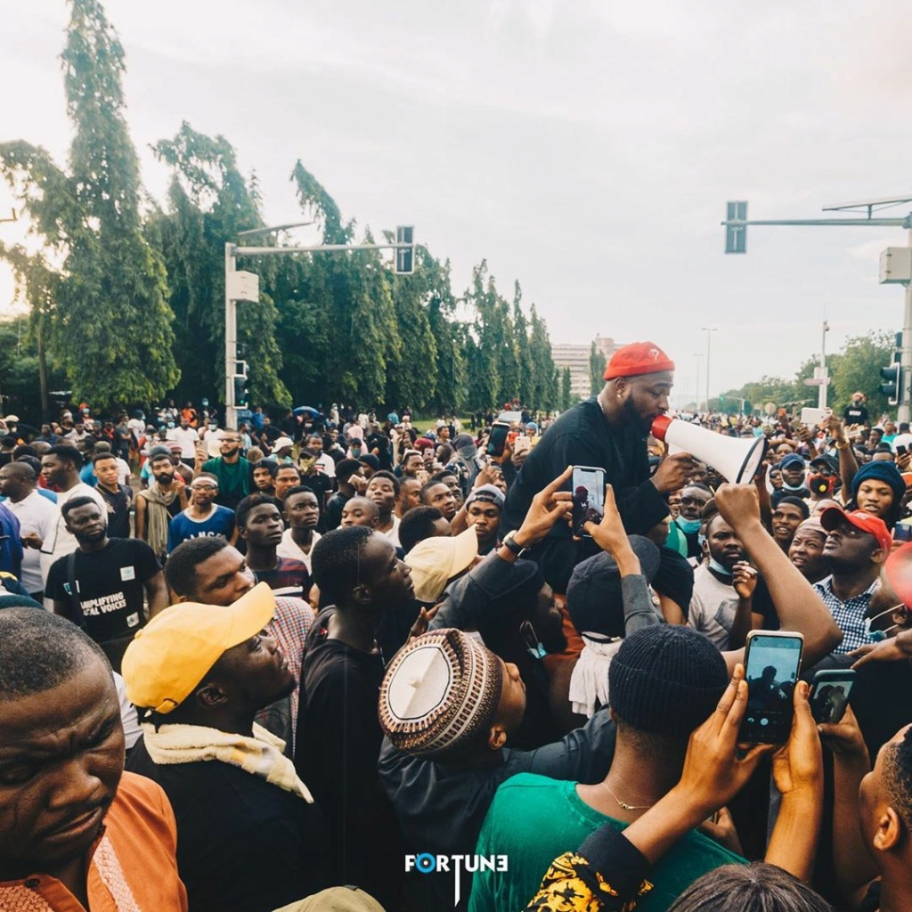 'He Didn't Spend Up To 1 Hour' – Abuja EndSARS Protesters Blast Davido David393