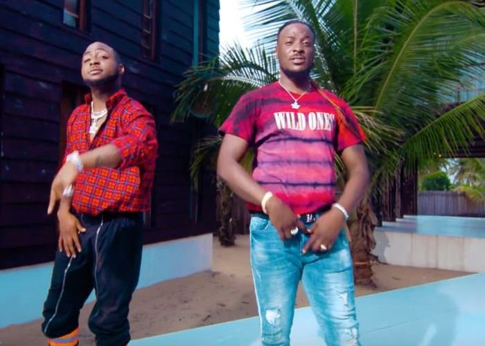 Perruzzi Gradually Loosing Relevance, Do You Think It Might Affect Davido's Musical Contents? Davido43