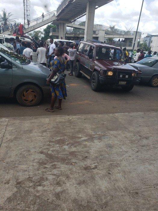 Edo People Defy Obaseki's 24-Hour Curfew, Chase Police Officers Away Edo-1_10