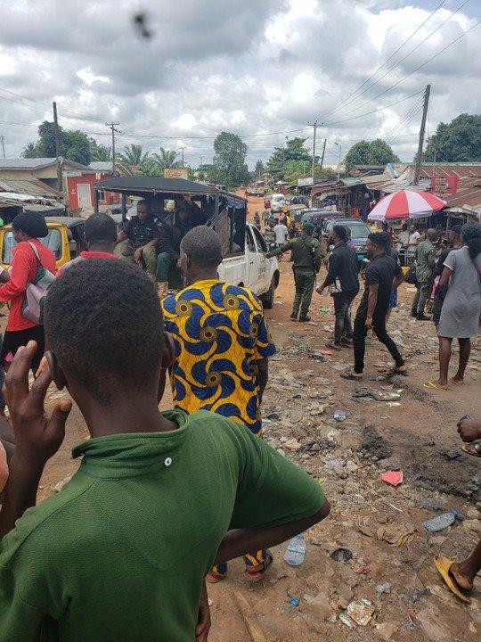 Edo People Defy Obaseki's 24-Hour Curfew, Chase Police Officers Away Edo210