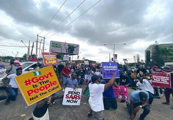 Man Warns #Endsars Protesters After Getting Stuck In Traffic With Sick 2-year-old Daughter Endsar16