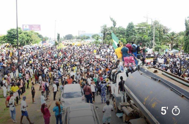 Armed Men Attack #EndSARS Protesters In Benin Endsar17