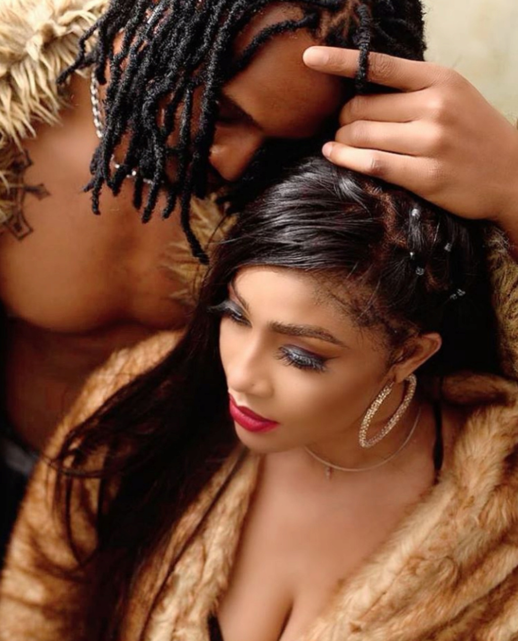 Why Are You Hiding Your Man's Face, Are You Not Proud Of Him? – Fans Quizzes Actress Angela Okorie Insho416