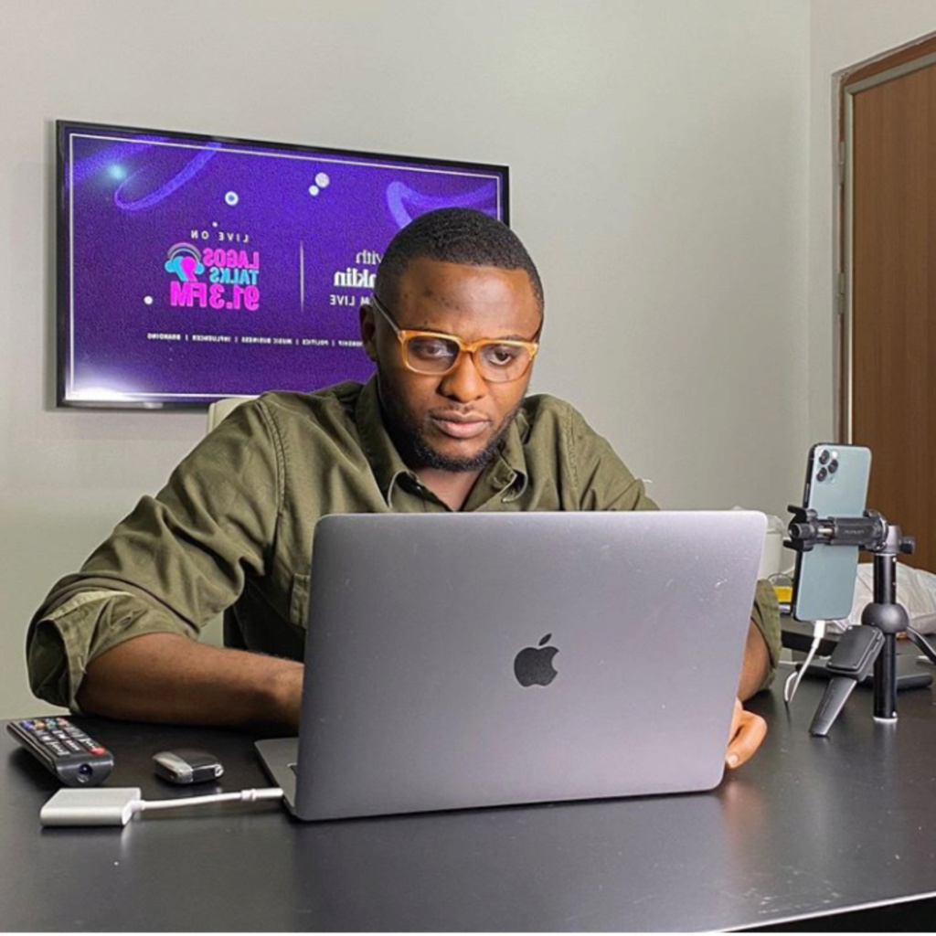 Ubi Franklin And Follower Fight Over His Comment On BBNaija Housemates Insho422