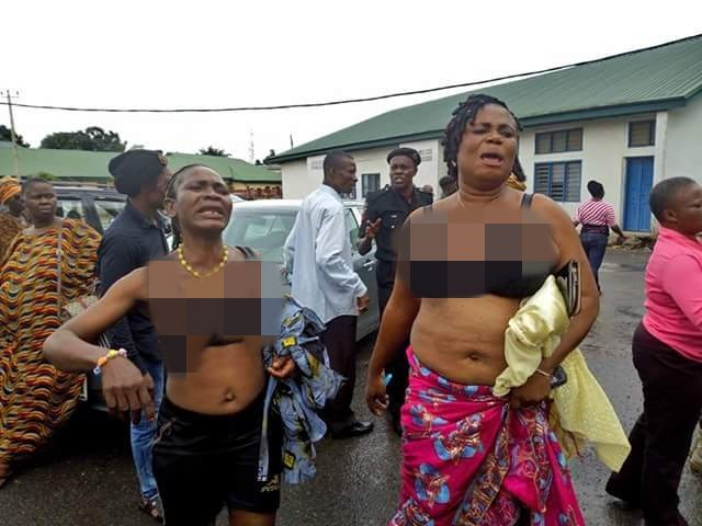 IPOB Women Go Topless After They Were Denied Bail In Owerri (Photos) Ipob-w10