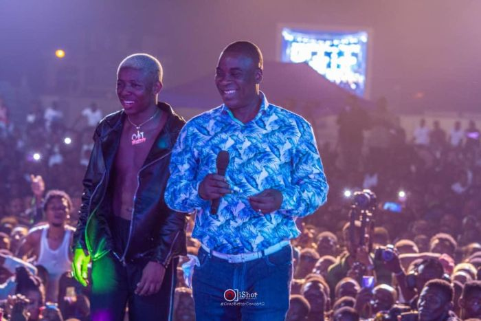 Small Doctor Surprises Fans As He Bring King Wasiu Ayinde On Stage At Omo Better Concert (WATCH VIDEO) K110