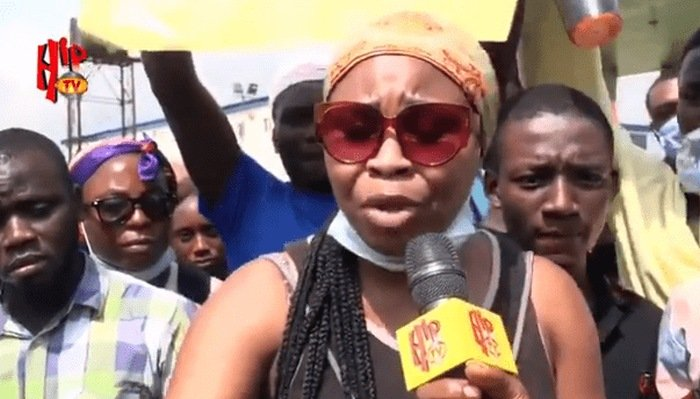 "#EndSARS: ""We Will Tackle Him, He Has Been A Bad Boy"" – 21-yr-old Nigerian Lady Slams Buhari (Video) Lady-s10"