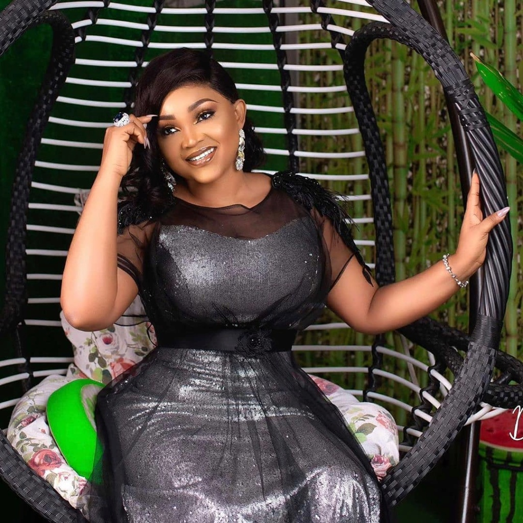 'Don't Push Your Daughter To All Your Rubbish Let Her Concentrate' – Fan Warns Mercy Aigbe Mercy_26
