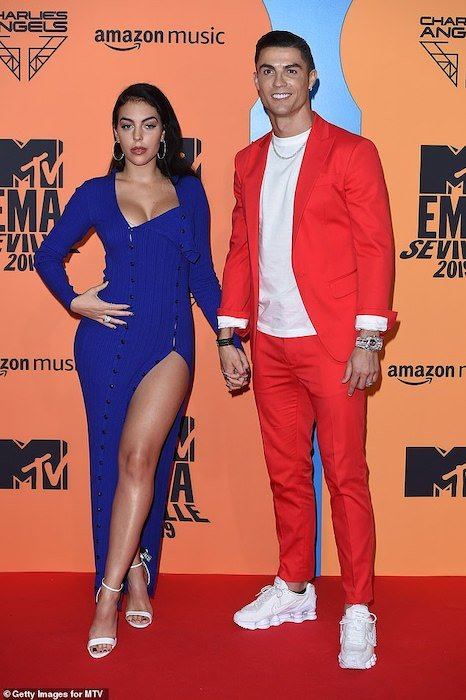 Ronaldo And His Girlfriend Turned Up For MTV EMA (Photos) Ronald13