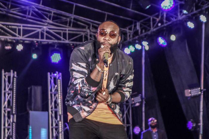 Phyno Performs Alongside Winner Of Hi-life Fest 2019 ( Photos) Whatsa23
