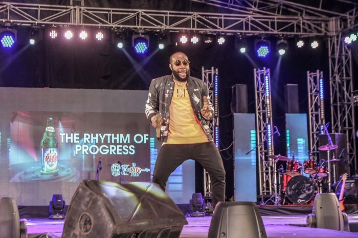 Phyno Performs Alongside Winner Of Hi-life Fest 2019 ( Photos) Whatsa24