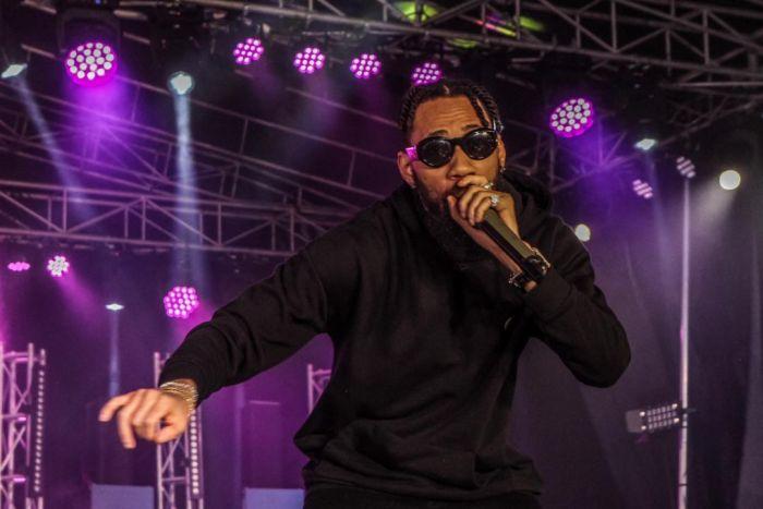 Phyno Performs Alongside Winner Of Hi-life Fest 2019 ( Photos) Whatsa25