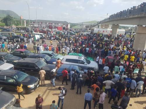 Protesters Close All Entry Points Into Abuja Whatsa74