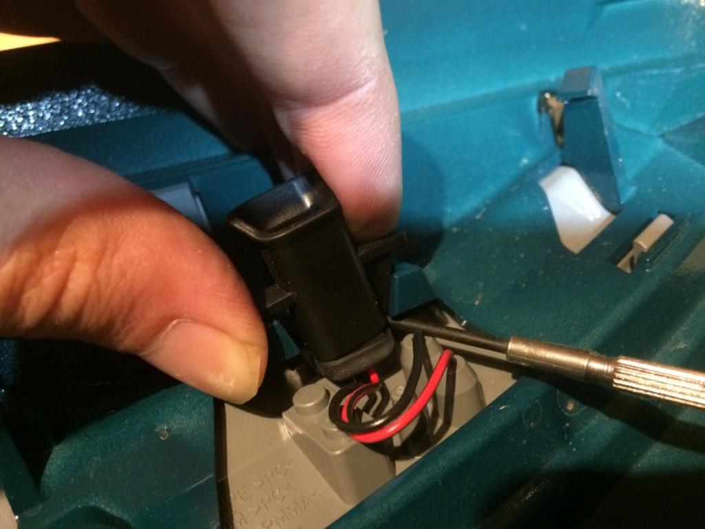 changer repetiteur clignotant au retroviseur Img_2612