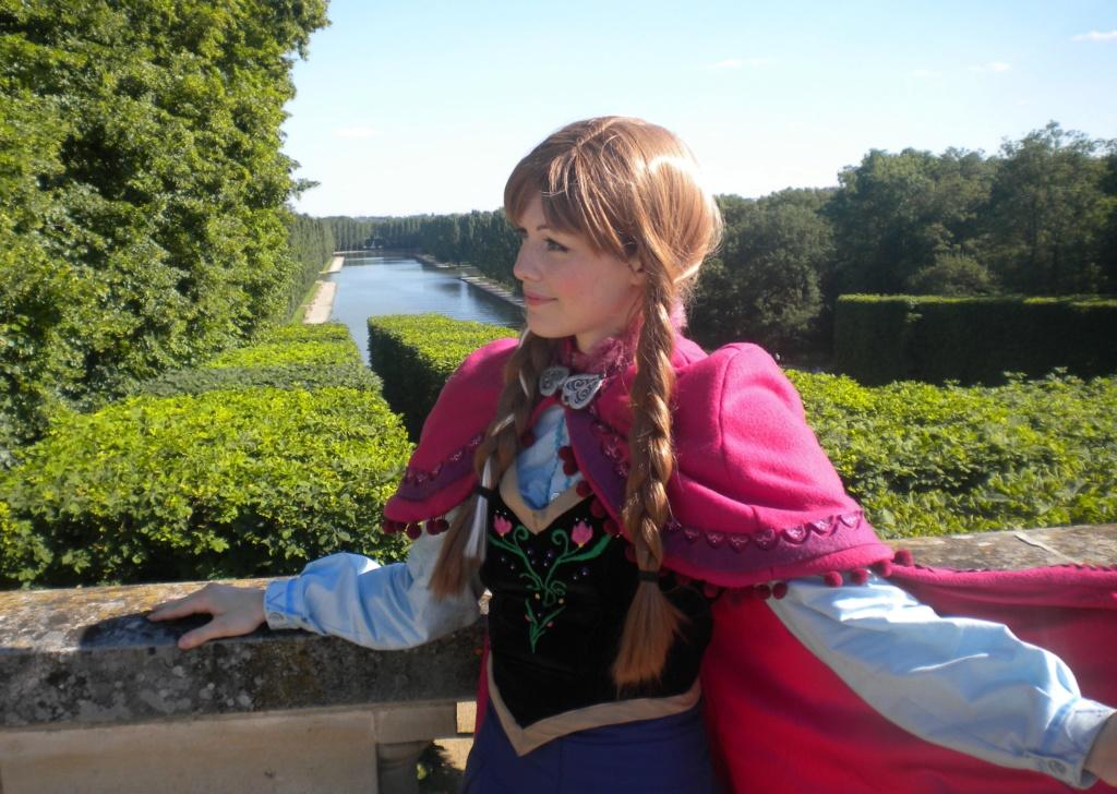 [Costumes] Robes de Princesses et tenues de Princes - Page 25 Anna2_11