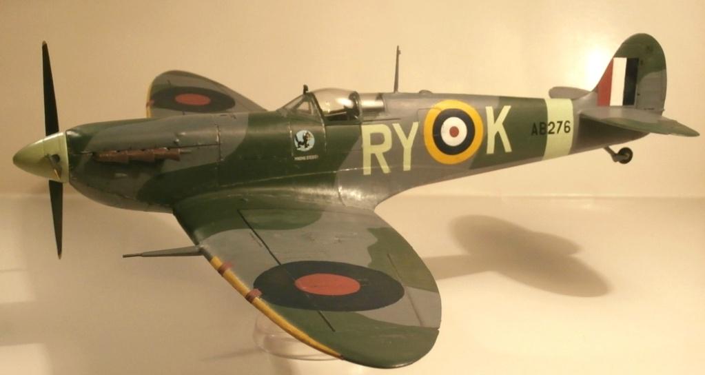 "GALERIJA: Spitfire Mk Vb, 1:32 (Hasegawa) i ""mlađa braća"" u 1:72 0-110"