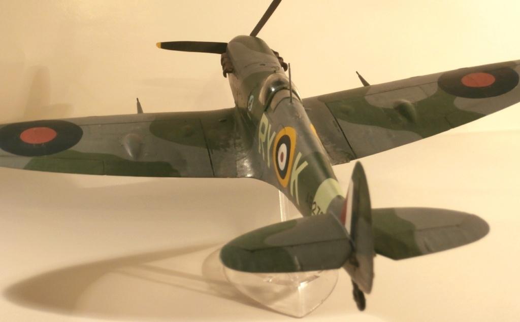 "GALERIJA: Spitfire Mk Vb, 1:32 (Hasegawa) i ""mlađa braća"" u 1:72 0-210"