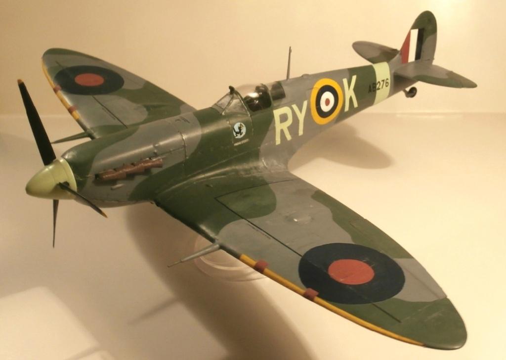 "GALERIJA: Spitfire Mk Vb, 1:32 (Hasegawa) i ""mlađa braća"" u 1:72 0-9410"
