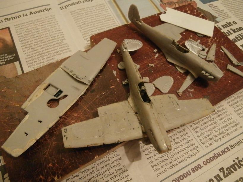 "GALERIJA: Spitfire Mk Vb, 1:32 (Hasegawa) i ""mlađa braća"" u 1:72 0117"
