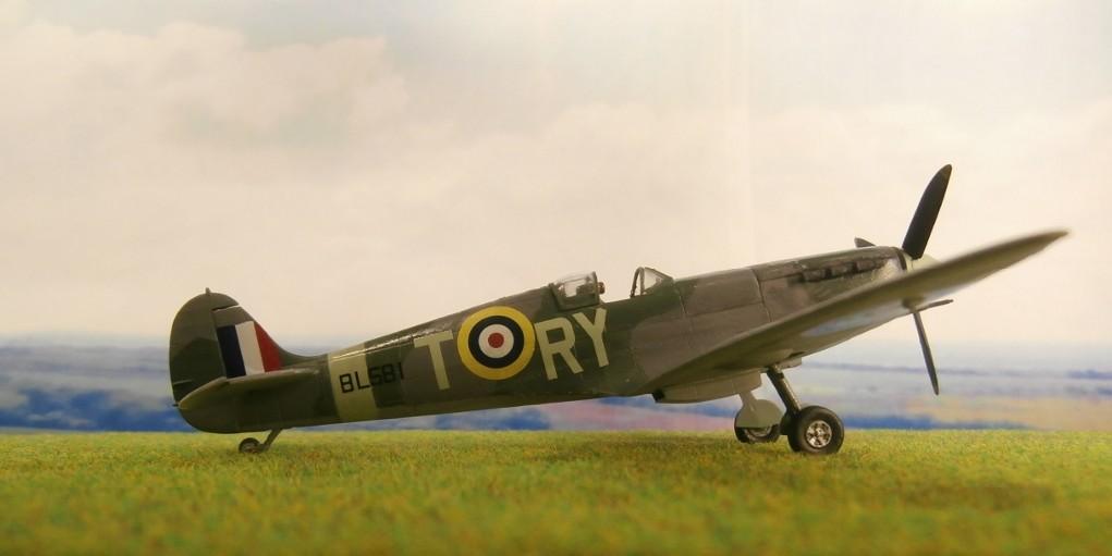 "GALERIJA: Spitfire Mk Vb, 1:32 (Hasegawa) i ""mlađa braća"" u 1:72 Spit10"