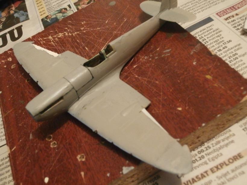 "GALERIJA: Spitfire Mk Vb, 1:32 (Hasegawa) i ""mlađa braća"" u 1:72 Spit110"